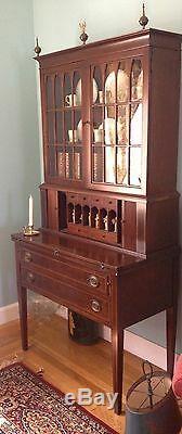 Antique Mahogany excellent reproduction Federal Hepplewhite Secretary-mint