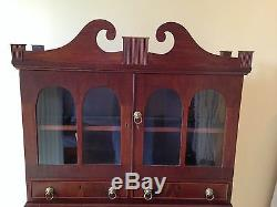 C. 1820 SHERATON SECRETARY LADIES WRITING DESK mahogany AMERICAN display cabinet
