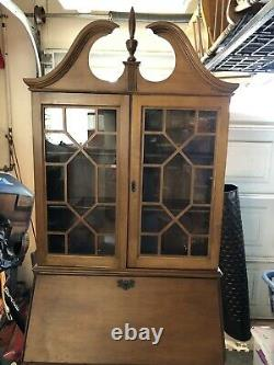 JASPER CABINET Chippendale Style Secretary Desk 29 inches with key